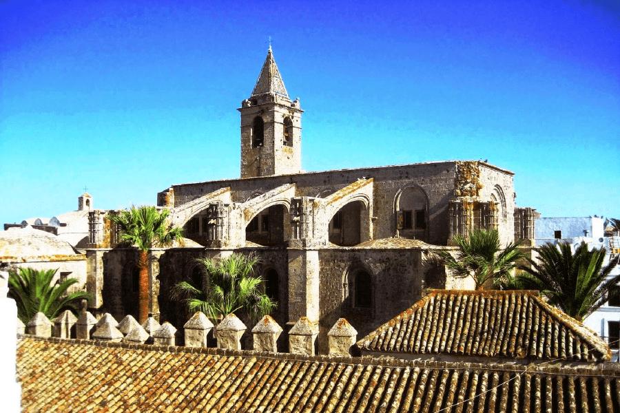 La iglesia del Divino Salvador en Vejer